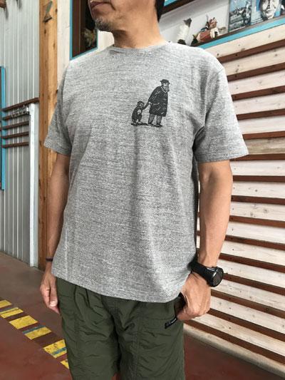 Christopher Brown クリストファーブラウン イラストプリントTシャツ 「D」 White Grey